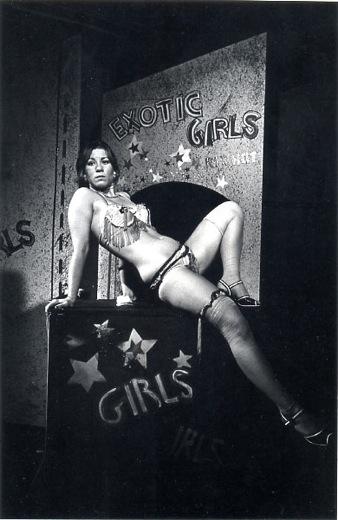 © Carnival Strippers | Susan Meiselas