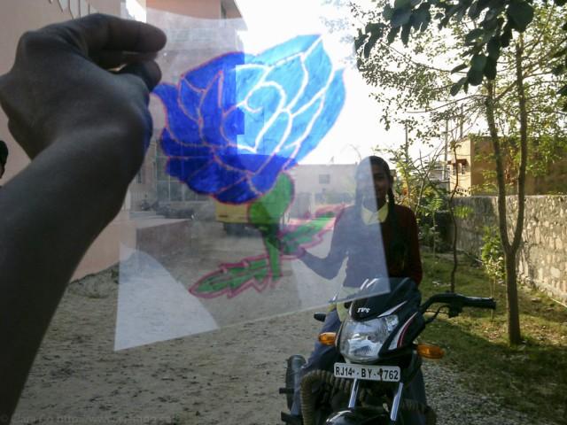 © Clara.Go-- Plastic and Cartoons a Jhag Children Villagge - Rajasthan - i-india